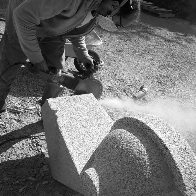 échauguette granite breton bouchardé taille de pierre Lucien Mazé