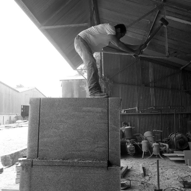 taille de pierre bretagne Socle eloge du pas de coté Lucien Mazé