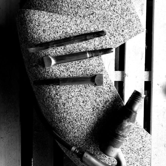sculpture en Granite breton Lucien Mazé Bretagne