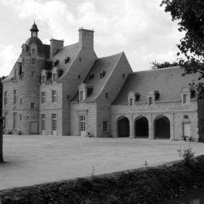 Château de la Coudraie Taille de Pierre granite Breton Lucien Mazé