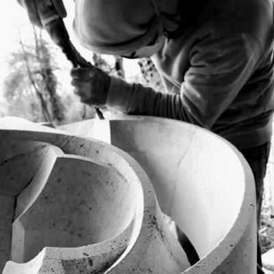 Sculpture- gravure-taille de pierre-bretagne-Ateliers-du-Rocher Lucien Maze - triflamme