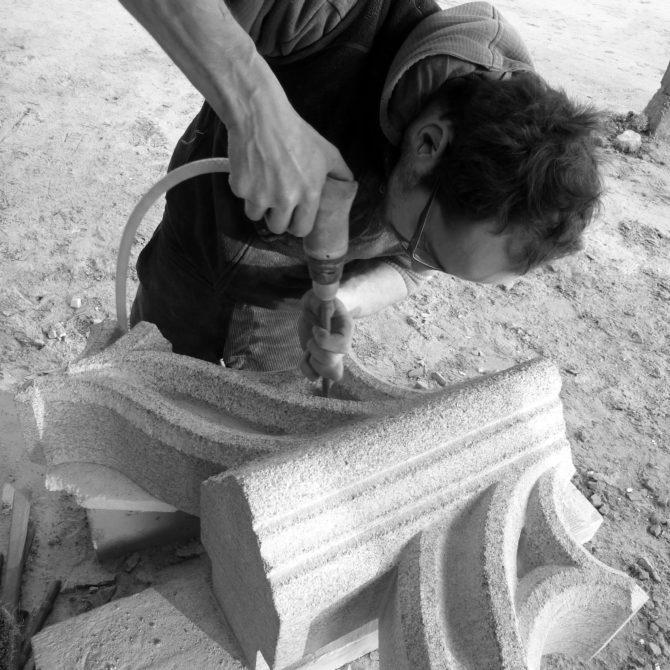 Taille de pierre granite fenestrage gothique Lucien Mazé